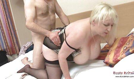 Tizio сношается caut filme sexi con la spogliarellista nera in lingerie gialla nelle vicinanze dell'asta