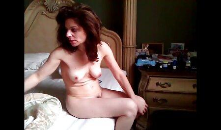 La Sportiva ha dato anale cazzo il suo amante sul letto filmatisex
