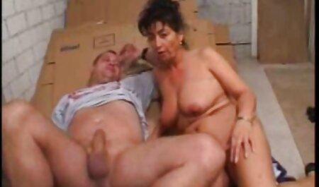 Nero donna con taglio di sexy film gratis capelli Quad долбится con calvo uomo