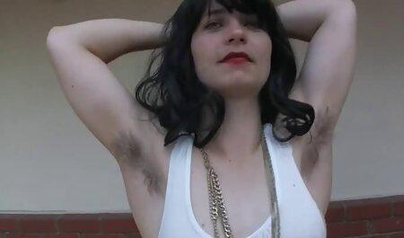 Mamka con gli stivali lecca Peni satellite e li prende nella Vagina alternativamente film porno con nadia mori