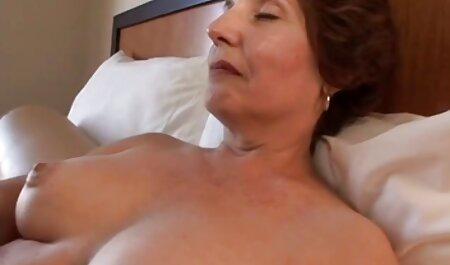 MILF spettacoli rosa micio video sex anziane e prende lei fidanzato cazzo