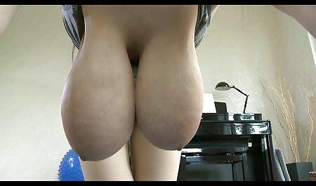 Troie con tette piccole Succhiare al Fitness Trainer video erotico sex