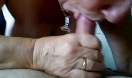 Il ragazzo gratis sexy film scopa cancro ladies cunt in calze autoreggenti dopo suzione in un armchair