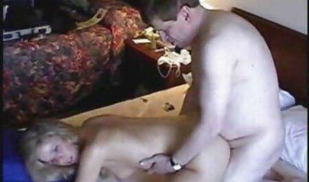 Sesso con Ava Taylor in occhiali filmini amatoriali sex