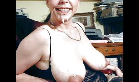 Mamka in calze e gonna lecca agatata pe strada Peni satellite dato e il Suo nella Vagina