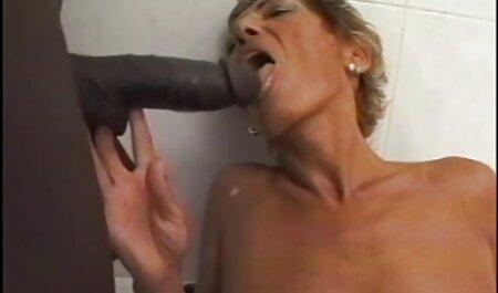 Faker присунул елдак nella figa di Busty giovani donne in video sex italiani amatoriali una posa di cancro sul Casting