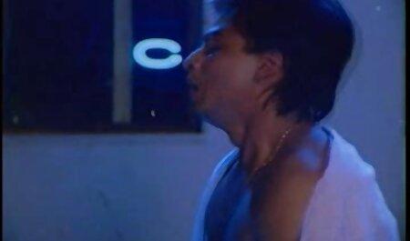 Bionda Con Grandi Tette xxx massaggi italiani долбится Con La macchina del sesso sul pavimento