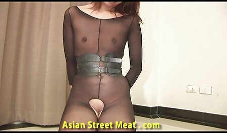 Giovane brunetta spettacoli Anale sotto grande gratis sexy film Phallus sesso macchina