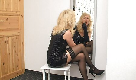 Completa mamma in grembiule film porno sexsy e reggiseno succhiare Dildo sul letto