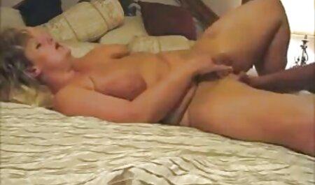 Giovane video di donne sex studente sentì un membro nella grotta