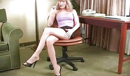 Bruna in collant strofina il video online porno gratis culo davanti a vebkameroy