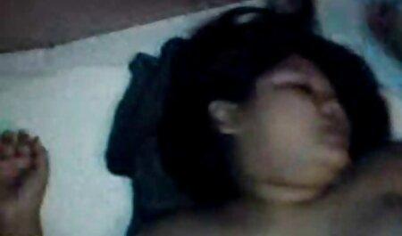 Devachan prende la sua figa e un Anale sulla sex bruneta fotocamera