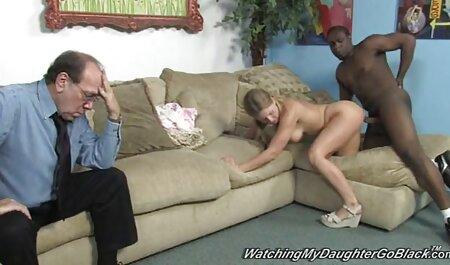 Dolce bionda diteggiatura sua tenera figa videi sex gratis sulla sedia