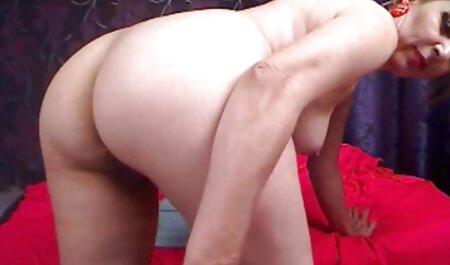 Spesso ragazza inserts Dildo in Vagina near il video sex orientali fireplace