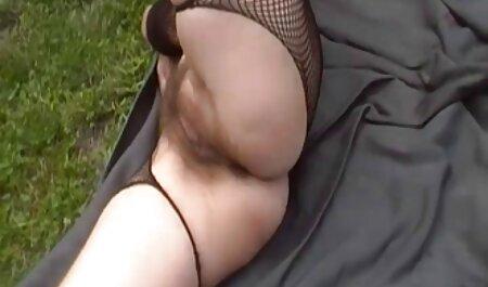 Cavalier sex bruneta violentata Asiatica mano pelosa e Dildo