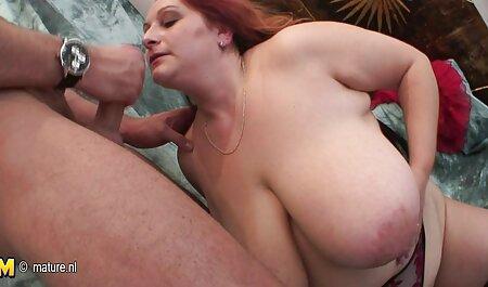 Il ragazzo tira пышногрудую bruna sul donne sexi video gratis lettino da massaggio