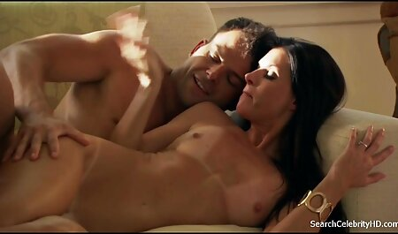 Hottie in bianco fügt video erotico sex adds a il culo di nero dildo su вебку