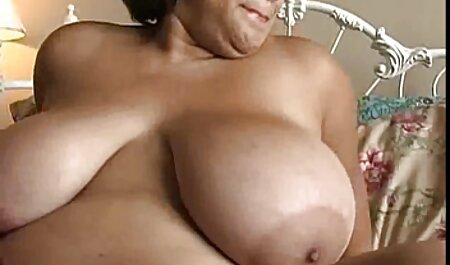 Il ragazzo è tornato da Jogging e ottenere scopata толстожопую madre con gli film completi sex occhiali su una sedia Veranda