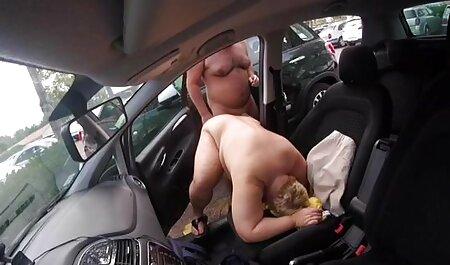 Bionda fa un pompino a uno strano uomo e ingoia il video sex italiani amatoriali suo sperma