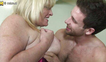 Il ragazzo con la catena sul collo sex movie gratis ha un massaggio massaggio, e lei gli ha dato un pompino profondo